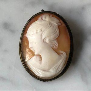 Vintage Shell Cameo Pendant Brooch